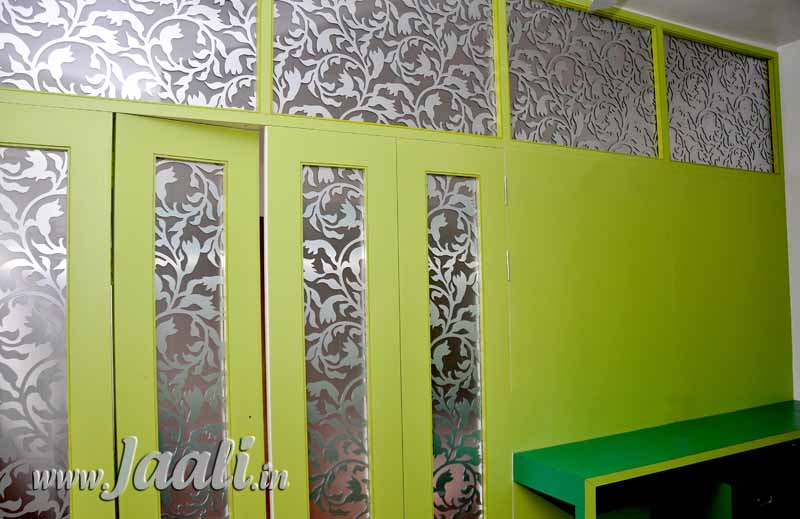 037 Aluminium Composite Panel Jaalis Sanwiched between 2 Glassas for a Partition