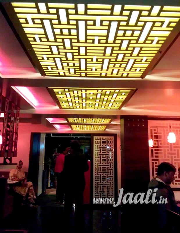 063 18mm Backlit MDF Jaalis in the Ceiling & 8mm White Acrylic Jaalis as Partitions